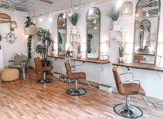Home Hair Salons, Hair Salon Interior, Salon Interior Design, Home Salon, Beauty Bar Salon, Small Beauty Salon Ideas, Beauty Salon Design, Schönheitssalon Design, Store Design
