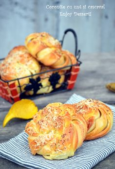 Butter Cheese, Cheese Rolling, Croissant, Carne, Muffin, Food And Drink, Rolls, Cooking Recipes, Bread