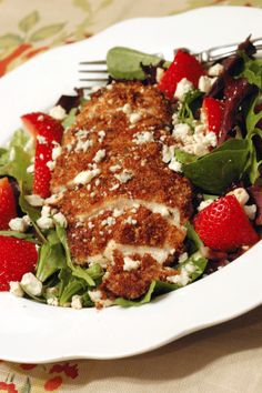 Pecan-Crusted Chicken Salad with Strawberries