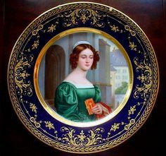 Royal Vienna Porcelain (Austria) — Portrait Plate 'Anna Willmayer'  (639x600)