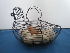 VINTAGE CHICKEN EGG BASKET,