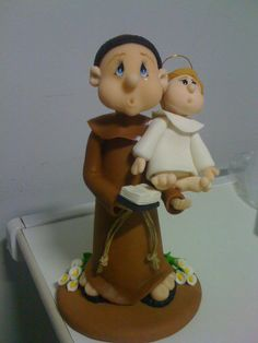 Santo Antonio em biscuit.