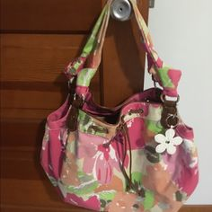 Beautiful Spring summer shoulder purse This purse is preloved  but in great shape. Is so beautiful with spring colors and faux leather accents. Croft & Barrow Bags Shoulder Bags
