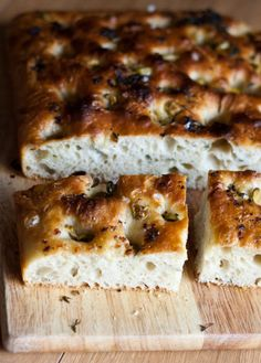 foccacia with olives and garlic
