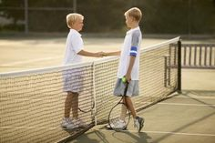 HOW DO SPORTS TEACH KIDS GOOD SPORTSMANSHIP?