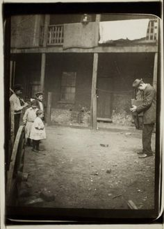 +~+~ Antique Photograph ~+~+  Lewis Hine at work photographing children in the slums, 1910.