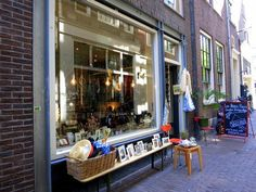 Les Petites Puces - The sweet owner Susanne Bakker visits antique markets all around the Netherlands to find her handpicked vintage items. The jewelry selection is amazing, with fun rings, necklaces and earrings to make you stand out from the crowd. - Awesome Amsterdam