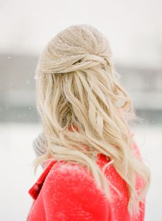#hairstyles  KT Merry: Photography - ktmerry.com  Read More: http://www.stylemepretty.com/2014/03/14/snowy-chicago-engagement-wiup/