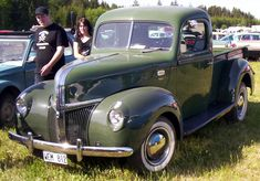 1941 Ford Pickup - Information and photos American Pickup Trucks, Vintage Pickup Trucks, Classic Pickup Trucks, Antique Trucks, Ford Pickup Trucks, Ford Classic Cars, New Trucks, Cool Trucks, F100 Truck
