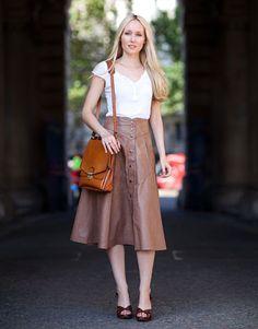 Street Style, London Fashion Week, Voluminous Leather Skirt
