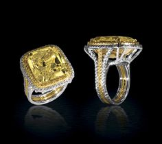 ♥24 carat yellow diamond ring with pave set yellow and white diamonds!♥
