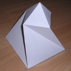 Paper model twisted pyramid