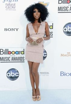 Loving Brandy's outfit at the Billboard Awards!
