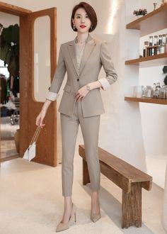 Stylish Work Outfits, Stylish Dresses, Nice Dresses, Korean Fashion Office, Suits And Sneakers, Stylish Dress Designs, Suits For Women, Clothes For Women, Girl Outfits