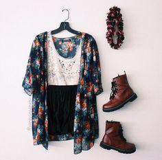 White Lace Top and Black Shorts with Floral Kimono and Maroon Doc Martens Teen Fashion, Boho Fashion, Womens Fashion, Bohemian Mode, Boho Chic, Dr. Martens, Looks Hippie, Bon Look, Simple White Dress
