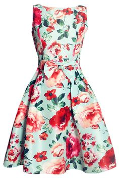 Not skater or mini, this floral swing dress is a closet stable from season to season. Find more at OASAP with amazing price and free shipping!