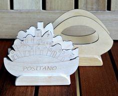 Portatovaglioli in legno di betulla.  Personalizzabili su richiesta del cliente.
