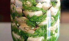 Хотите порадовать и удивить гостей чем-то необычным и вкусным! Вы готовили малосольные шампиньоны? Нет?!   Ингредиенты и приготовление:  Начну с совета: грибы лучше покупать мелкие, т.к. они будут а…