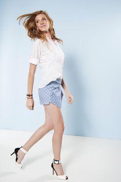 Shorts-Saia Maresias Estampa de azulejo azul