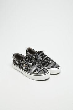 Sneakers · Vendita ADA GATTI   53757   911170   10717053   Scheda Articolo 456934f0d36