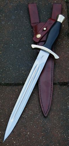 Swords And Daggers, Knives And Swords, Blade And Soul, Dagger Knife, Knife Art, Cool Knives, Cold Steel, Fixed Blade Knife, Custom Knives