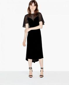 Robes de soirée longues noires : une élégance intemporelle Image: 0