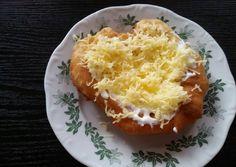 Lángos   Vincze Ágnes receptje - Cookpad receptek Baked Potato, Potatoes, Baking, Breakfast, Ethnic Recipes, Food, Morning Coffee, Potato, Bakken