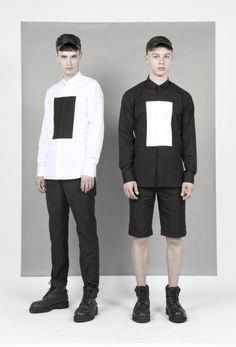 Neil Barrett black and white men fashion - There is emphasis on the squares on the shirts being created by value and contrast between black and white. Boy Fashion, High Fashion, Mens Fashion, Fashion Design, Monochrome Fashion, Minimal Fashion, Le Male, Black And White Man, Sartorialist