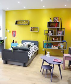Children's furniture and room design just got better with the latest set of inspirations from French furniture guru's Laurette Deco. French Furniture, Furniture Decor, Elephant Bedding, Magazine Deco, Boutique Deco, Kids Decor, Home Decor, Table Storage, Bed Spreads