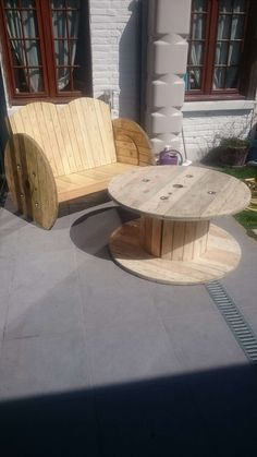 #Garden, #PalletBench, #PalletTable, #RecyclingWoodPallets, #Reel