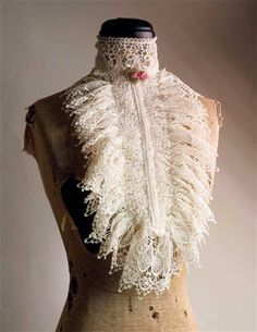 VENETIAN LACE COLLAR (IVORY) >> Victorian Trading Co >> $39.95