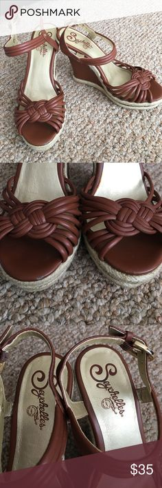 """Seychelles Wedges GUC. Cute wedges. 4 1/2"""" high platform. Brown leather. Size 6. Anthropologie Shoes Wedges"""