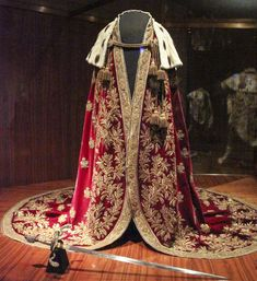 royaland: Mantle of the Austrian Emperor by Kotomi_Design: Philip von Stubenrauch, Execution: Johann Fritz, Vienna, 1830 Royal Dresses, Nice Dresses, Impératrice Sissi, Royal Photography, Outfits Hombre, Royal Clothing, Queen Outfit, Historical Clothing, Emperor