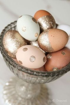 Go glam by adding glitter and polka dots to brown eggs. They're sure to be a bowl full of pretty. Get the tutorial at The Girl Inspired.