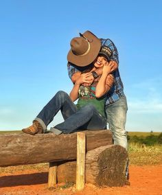 Outfits with hats, country relationships, marriage relationship, cute coupl Cute Country Couples, Country Couple Pictures, Cute Couple Pictures Tumblr, Couple Picture Poses, Cute Couples Goals, Couple Photos, Cowboy Pictures, Couple Goals Cuddling, Cute Couples Cuddling