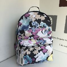 Lesportsac Backpack 7990 43.81*28.57.5*16.51cm 39USD