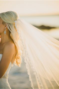 WOW Factor Veil / A Chic Ceremony at the Hideaway Beach Club in Marco Island Florida / The Perfect Match / Trenholm Photo / Mint Gold Ivory Details / via StyleUnveiled.com