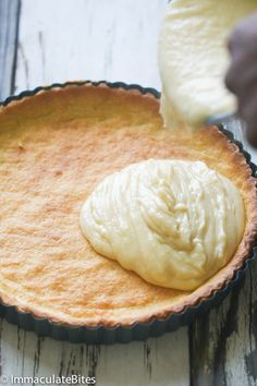 Rich Creamy and Milk Tart made with an easy pastry crust Custard Recipes, Tart Recipes, Easy Desserts, Delicious Desserts, Dessert Recipes, Sugar Free Milk, African Dessert, Milk Tart, Tart Filling