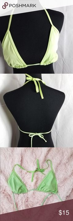 Victoria Secret Size Large Green Bikini Top Bikini for the summer is a must. Bikini is made for style and for comfort, giving you a nice style for a nice day at the beach! Victoria's Secret Swim Bikinis