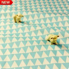 Blue sky & white pastel geometric triangle (width: 160cm) cotton fabric FQ1611-24