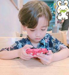 Pnkndyllw ™ Cute Little Boys, Pretty Boys, Cute Kids, Cute Babies, Kid N Teenagers, Kids Boys, Baby Kids, Baby Boy, Korean Babies