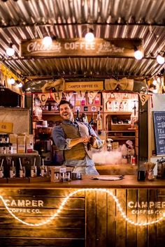 Camper Coffee Co, Devon U.K - I love this little van, such a cool idea & fab coffee! Food Stall Design, Food Truck Design, Coffee Carts, Coffee Truck, Coffee Market, Coffee Shop, Cafe Display, Catering Van, Coffee Van