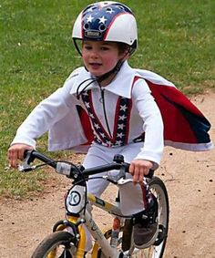 The bike is definitely central to successfully pulling off this costume. And making a bicycle helmet... - Mom.me