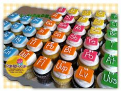 New Ideas Cupcakes Originales Egresados Science Cake, Science Party, Themed Cupcakes, Birthday Cupcakes, Chemistry Cake, Mad Scientist Party, Cheap Party Decorations, Graduation Cupcakes, Grad Parties