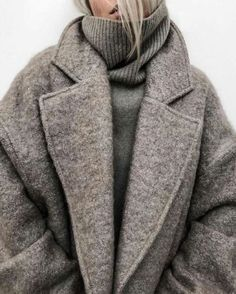 12 Warm Winter Outfits That Are Still Chic 12 warme Winteroutfits, die noch schick sind . Chic Winter Outfits, Winter Outfits Women, Winter Dresses, Fall Outfits, Outfit Winter, Winter Clothes, Girly Outfits, Dress Winter, Chic Outfits