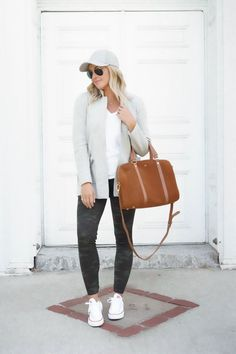 6 Ways To Wear Spanx Camo Leggings Summer Outfits For Moms, Casual Outfits For Moms, Camo Leggings Outfit, Plus Size Capsule Wardrobe, Casual Mom Style, Spanx, Athletic Outfits, White Denim, How To Wear