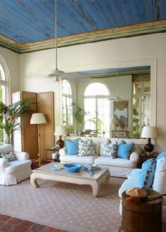 Decorate With Boldly Painted Contrast Ceilings - decoration,wood,wood working,furniture,decorating French Provincial Bedroom, Blue Ceilings, Colored Ceiling, Ceiling Color, Enchanted Home, Outdoor Furniture Sets, Outdoor Decor, Furniture Ideas, Outdoor Living