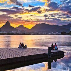 Brazil, Rio de Janeiro, Rio de Janeiro, Lagoa Rodrigo de Freitas lagoon, Pedras dos Irmao in background