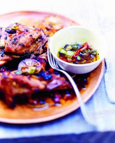 Poulet boucané pour 6 personnes - Recettes Elle à Table Pop Up Restaurant, Smoked Chicken, Cooking Recipes, Healthy Recipes, Healthy Food, Barbecue, Chicken Recipes, Food And Drink, Ethnic Recipes