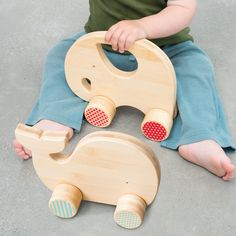 Bamboo Whale and Elephant push toys // Petit Collage Wooden Baby Toys, Wood Toys, Wooden Toys For Kids, Wooden Crafts, Wooden Diy, Diy Crafts, Woodworking For Kids, Woodworking Projects, Wood Projects